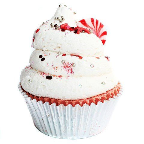 This Candy Cane Cupcake Bath Bomb is scented with a wonderful combination of fresh peppermint leaves on a dry down of vanilla and have been formulated to moisturize you skin while you sit back and relax in your hot tub. Plus the cupcake icing makes bubbles! A great stocking stuffer gift idea! #AD