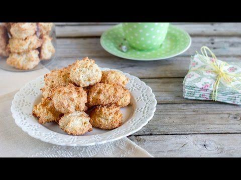 Biscotti al cocco | Ricetta con gli albumi - YouTube