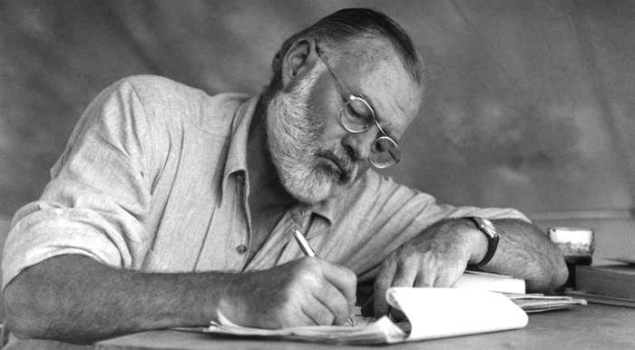 The Essential Ernest Hemingway from Biography to Fiction - Signature