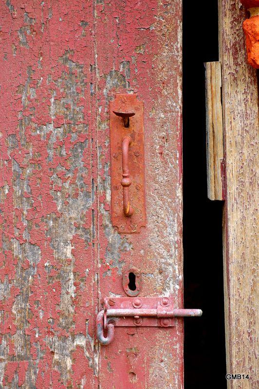 Old door \u0026 bolt at Redlands ... & 142 best OPEN \u0026 SHUT: doors shutterswindows images on Pinterest ... Pezcame.Com