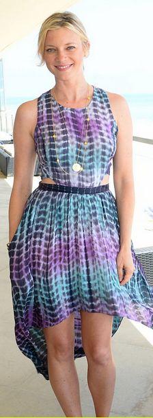 Who made Amy Smart's purple print dress?