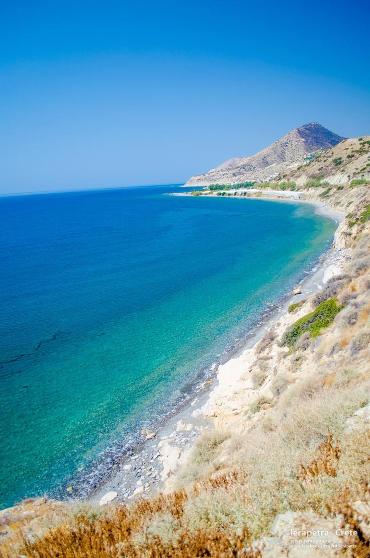 A secluded beach near Mirtos village in #Ierapetra.   Μια ήσυχη παραλία κοντά στο Μύρτος. (CC-BY-SA 3.0)