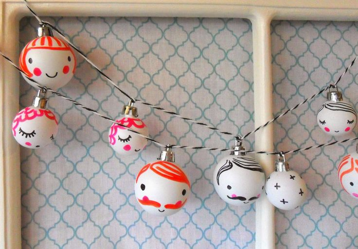 teawagontales: happy faces christmas garland....