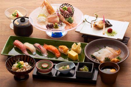 ボタンエビ・いかそうめん・握り寿司