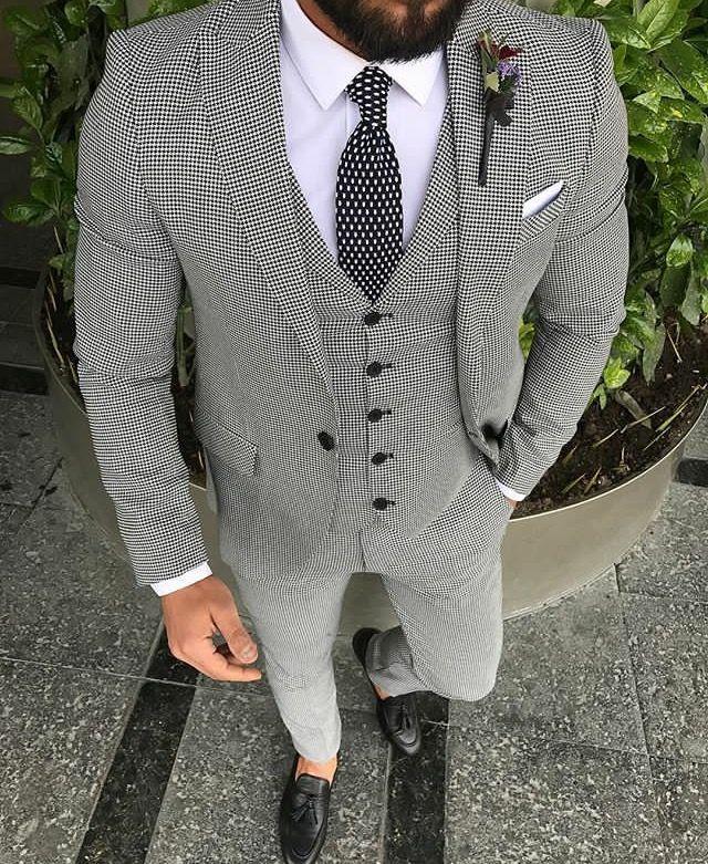 Men's style inspiration - suits - ties - pocket squares #menssuit