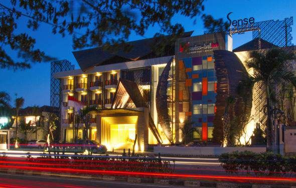 When visiting Bali, you'll feel right at home at Swiss-Belinn Seminyak, which offers quality accommodation and great service. Situated only 8 km from the city center, guests are well located to enjoy the town's attractions and activities.