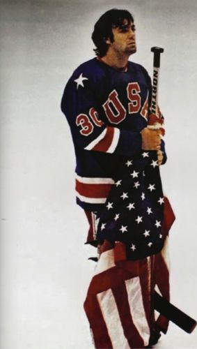 Jim Craig 1980 USA Olympic Ice Hockey Miracle on Ice 8x10 with Flag Photo