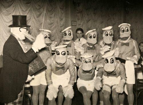 Les 25 meilleures id es de la cat gorie costumes de groupe dr les sur pinterest costumes - Deguisement de groupe drole ...