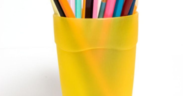Cómo quitar el pegamento de las etiquetas adhesivas del plástico