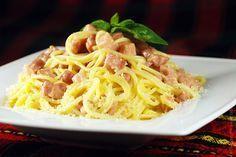 Паста карбонара - самая вкусная паста. Рецепт приготовления пасты карбонара очень прост. Карбонара готовится быстро, пока варится паста - готовый соус