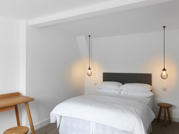 30 Outstanding Hanging Bedside Lights Ideas   ArchitectureArtDesigns.com