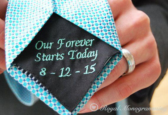 Una divertida y bonita idea #inspiraccióninnovias para la #corbatadeboda de tu futuro marido. En #Innovias nos encanta! www.innovias.es (scheduled via www.tailwindapp.com)