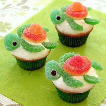 Turtle cupcakes! These would be great for a kid's b-day party, especially a Little Mermaid party!