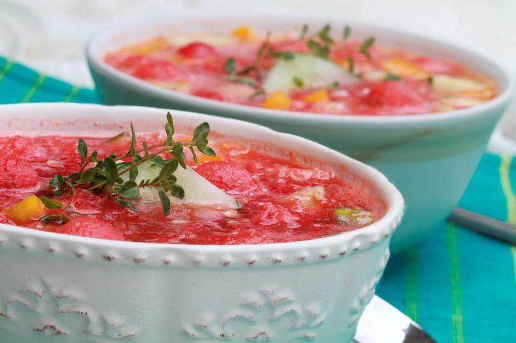 Oggi si pranza con un #piatto tipico spagnolo:#Gazpacho.E' una zuppa fredda di verdure http://ebx.sh/1C8rgCR #cucina