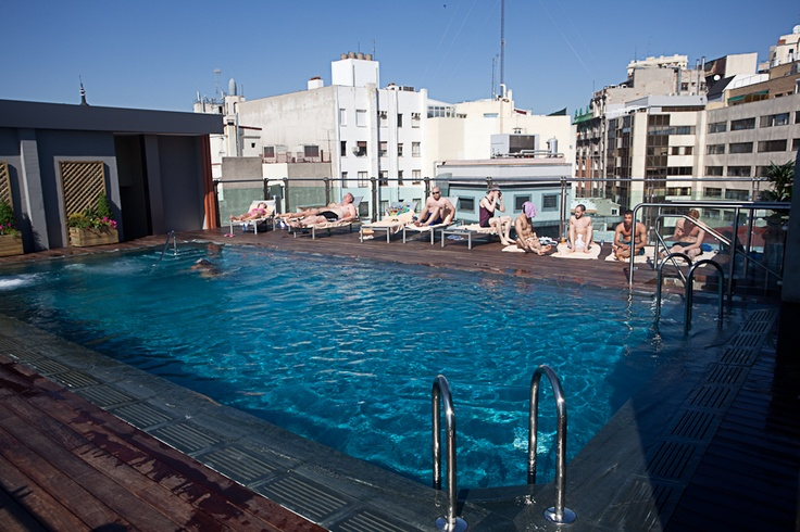 Piscina en la azotea. Hotel Santo Domingo - Madrid. http://hotelsantodomingo.es/
