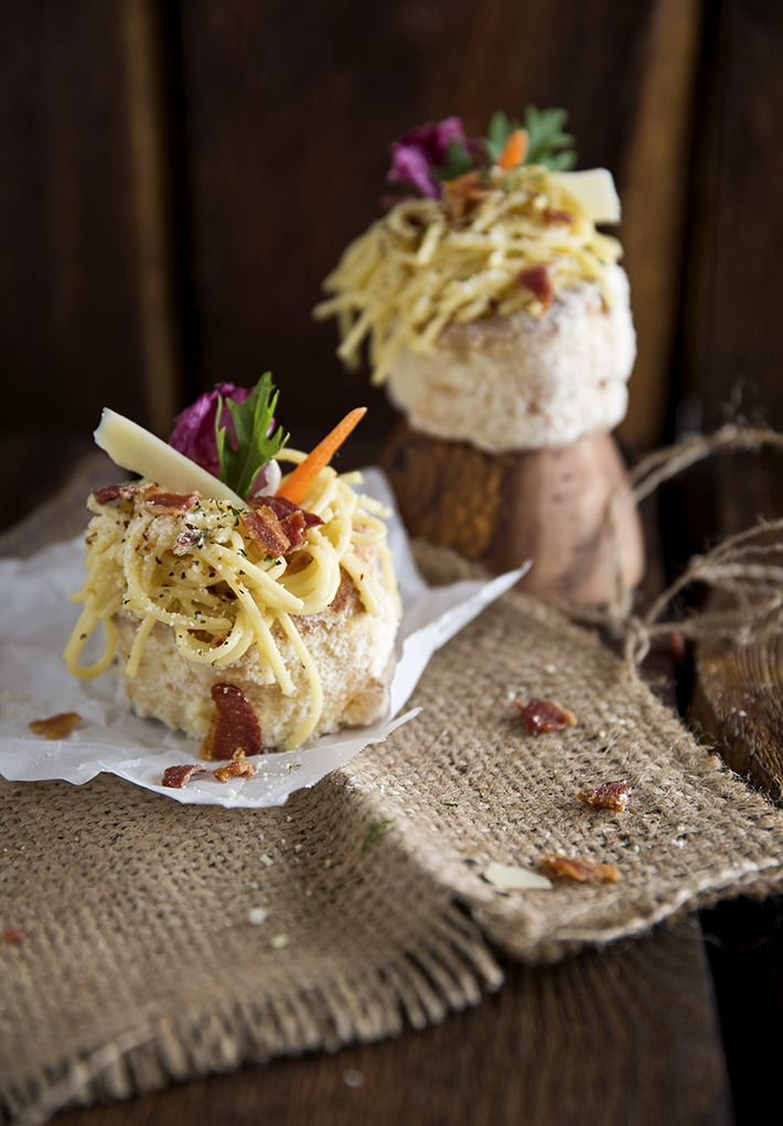Creamy Bacon Carbonara Pasta in Parmesan Puff Pastry Shells - Oh easy and delicious!