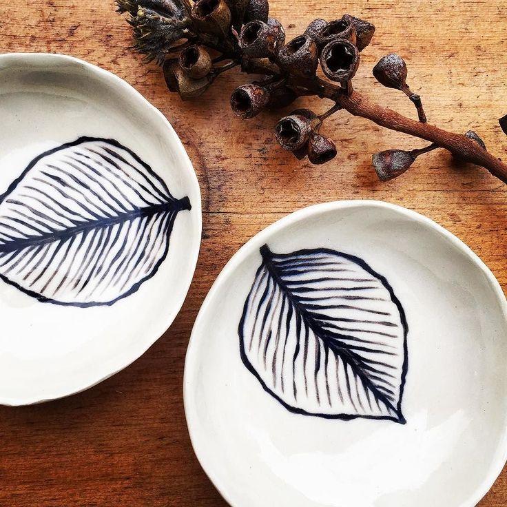 Little stoneware leaf bowls  #handpainted #leaf #nicolahartstudios  #ceramics #handcrafted #handmade #australianceramics #australiandesign #pottery #stoneware #ceramicstudio #ceramicbowl #bespoke #potterybowl