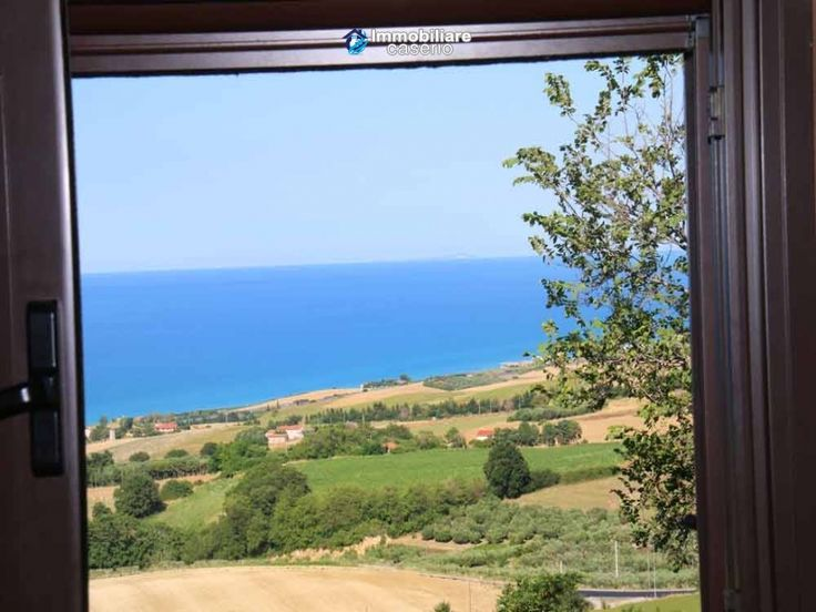 http://immobiliarecaserio.com/House_with_visual_Tremiti_Islands_the_hills_and_the_sea_for_sale_in_Italy_Molise_2200.html