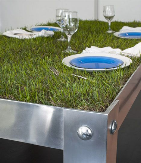 PicNYC Table (dutch design - Haiko Cornelissen Architects). Table crafted out of aluminum, paired with wooden benches.