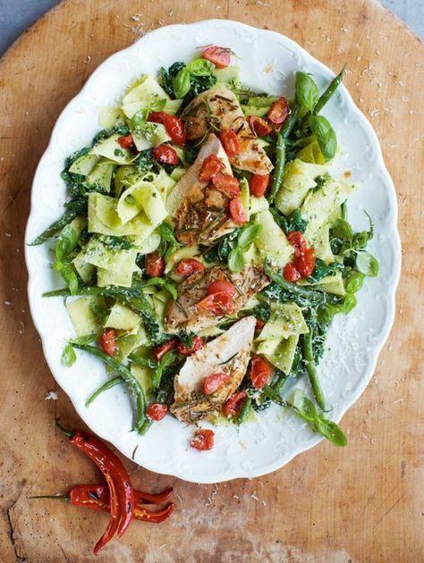 jamie oliver 15 minuten rezepte pesto-pasta-hähnchen-bohnen-cherrytomaten