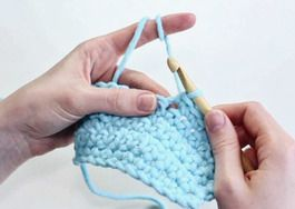 Häkeln lernen mit DaWanda - in nur 9 Schritten. Entdecke jetzt unseren kostenlosen Videoanleitungen / free video diy tutorials: learn how to crochet with DaWanda in only nine steps via DaWanda.com