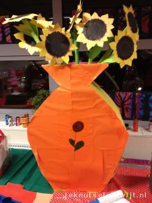 Sinterklaas surprise Vaas met Bloemen