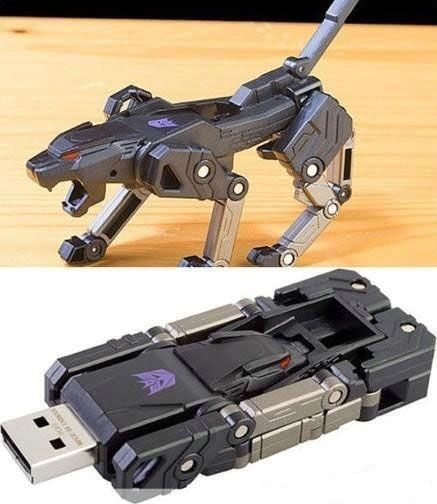 Transformer USB drive (holy cow i want this)