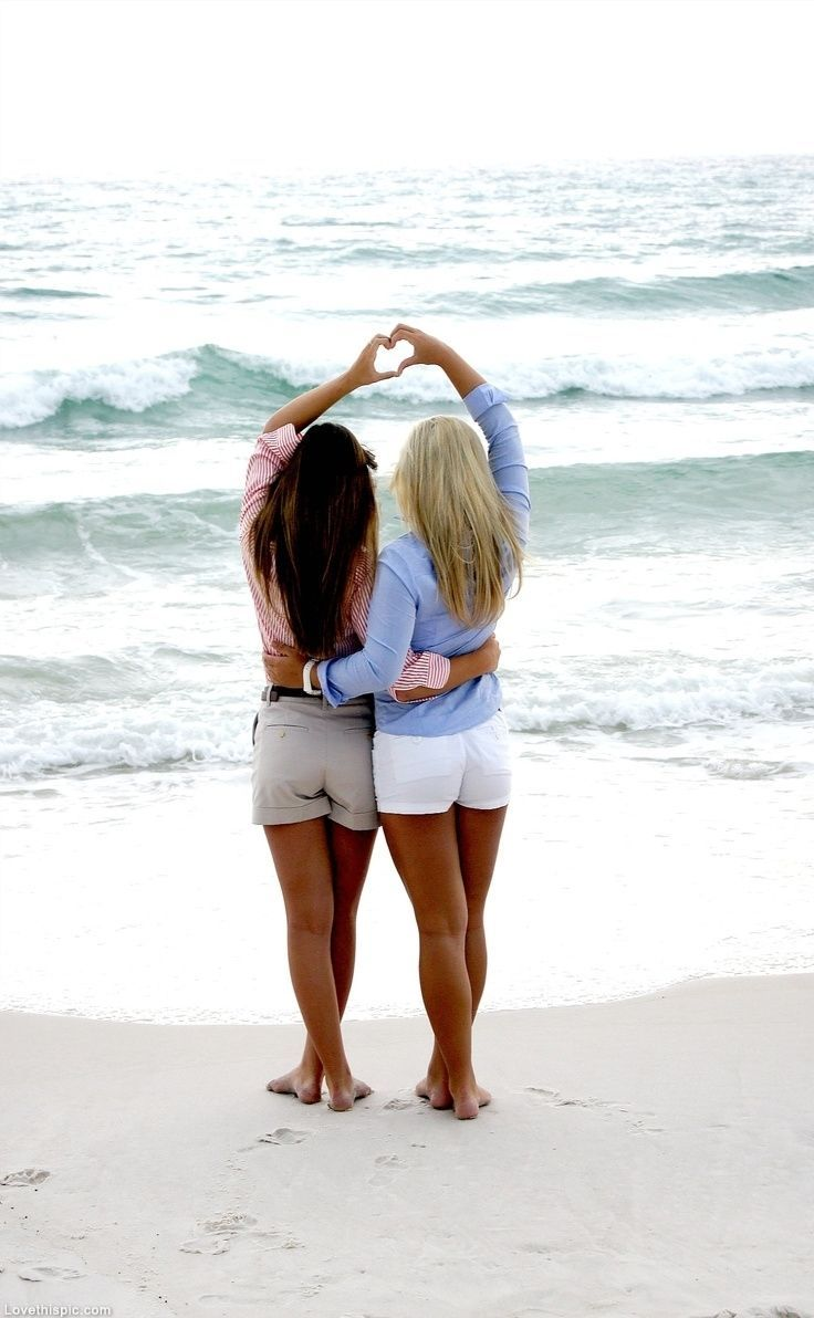 Best friend heart fashion cute summer hair beach friends ocean girls pinned with Pinvolve - pinvolve.co