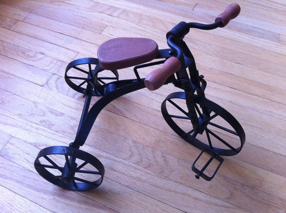 les 240 meilleures images du tableau vintage tricycles sur. Black Bedroom Furniture Sets. Home Design Ideas