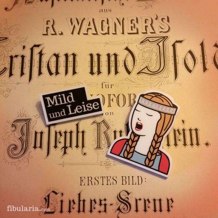 """TRISTAN AND ISOLDE BROOCHES - BROCHES TRISTÁN E ISOLDA """"Dulce y suave sonríe, cómo se entreabren sus ojos tiernamente"""" Tristan und Isolde, Richard Wagner."""