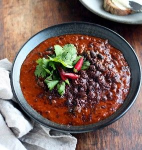 Black Bean Mole (Chilli Beans with Chocolate) - Quirky Cooking