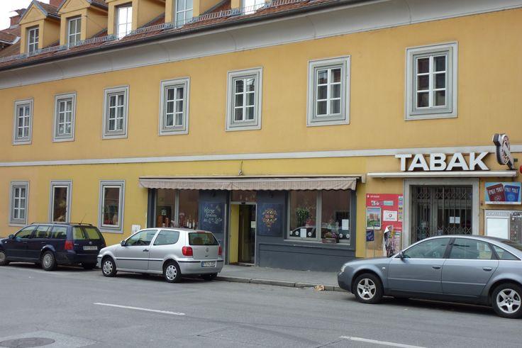 Heinrichstraße 51: Auch legendär in diesem Viertel - Feinkost Watzl, wo der Chef noch persönlich an der Kassa stand. Heute italienische Leckerbissen im Uni Eno.