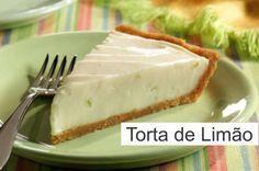 A receita de torta mousse de limão é muito simples e rápida de fazer, com poucos ingredientes e fica uma delícia tanto para quem for fazer para família ou