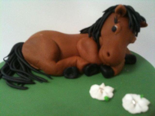 Horse cake topper by Kageting.dk, via Flickr