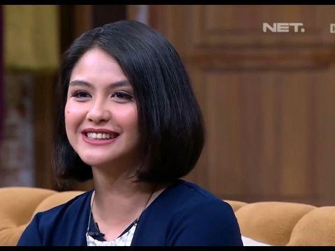 Senyum manis Revalina saat jadi tamu Sule di iniTalkShow