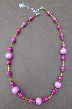 #ketting van bruine  #Jade #kralen met roze porseleinen bloem €10,00