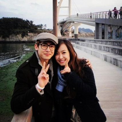 Watch them @ http://wgmhammer.blogspot.com/2014/07/khuntoria-couple-nickhun-victoria-eng.html