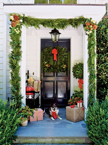 80 Awesome Christmas Porch And Entry Decorating Ideas   Style Estate