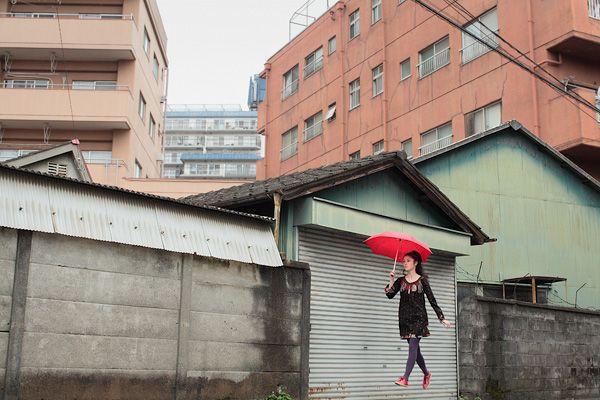 """Yowayowa – A Japanese girl light as air"" by Natsumi Hayashi"