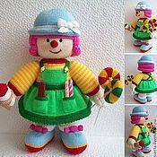 Купить или заказать 'Клоун' вязаная кукла в интернет-магазине на Ярмарке Мастеров. Яркий и позитивный веселый человечек )))…