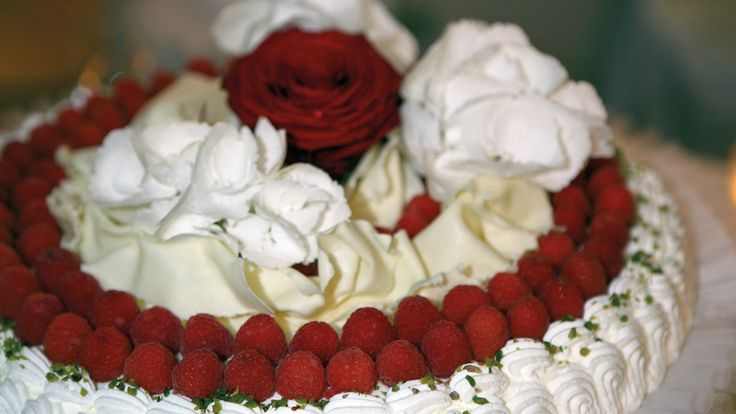 ... Nuziali Marroni, Sculture Di Cioccolato e Glassatura Torta Nuziale