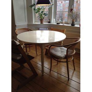 Spisebord, Hvidmalet træ , b: