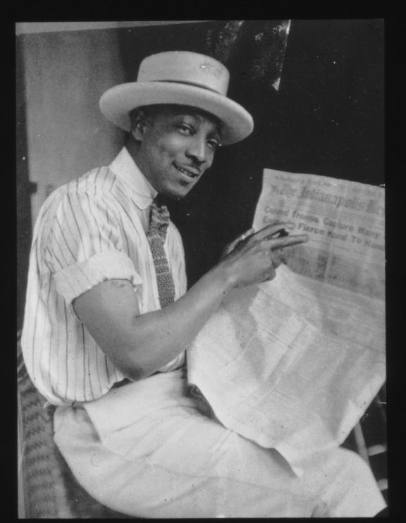 Harlem Renaissance photographer James Van Der Zee on Collar City Brownstone blog.