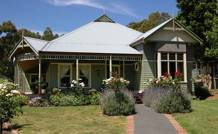 Upwey, Vic. Harkaway Homes - Classic Victorian and Early Federation Verandah homes