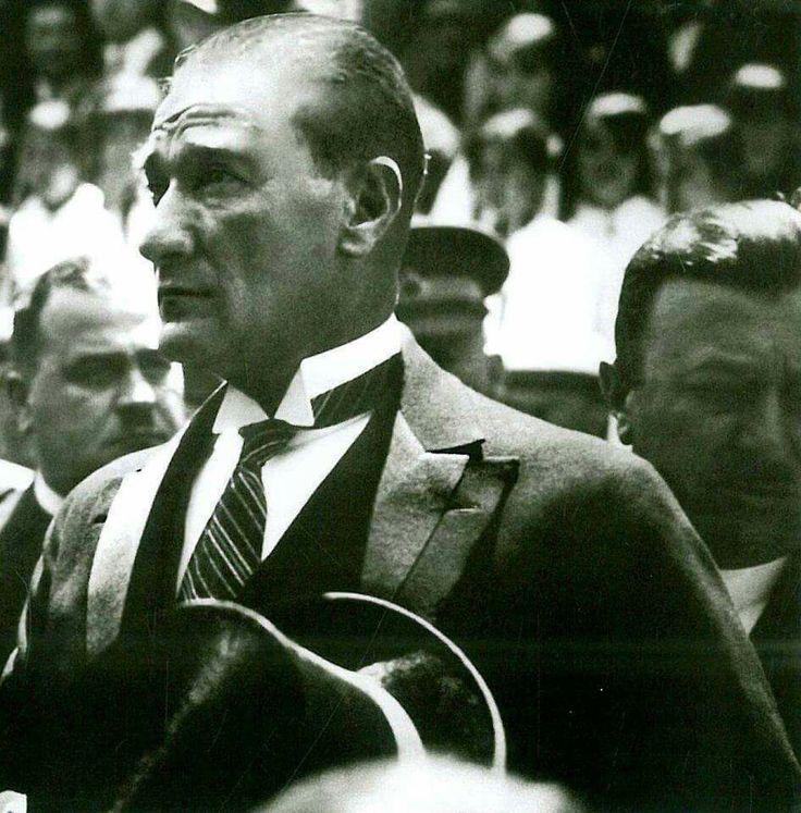 Atatürk büyük önder
