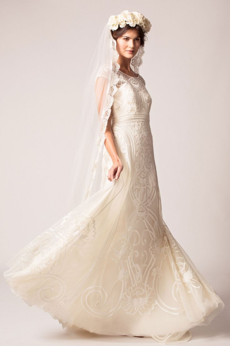 Designer Wedding Dress Hire London - Women's Dresses for Weddings Check more at http://svesty.com/designer-wedding-dress-hire-london/