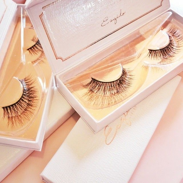 The White and Rose Gold Box. #ESQIDO Lashes. | Perfect for #Brides | Elegant | White| Bridal False Eyelashes @esqido