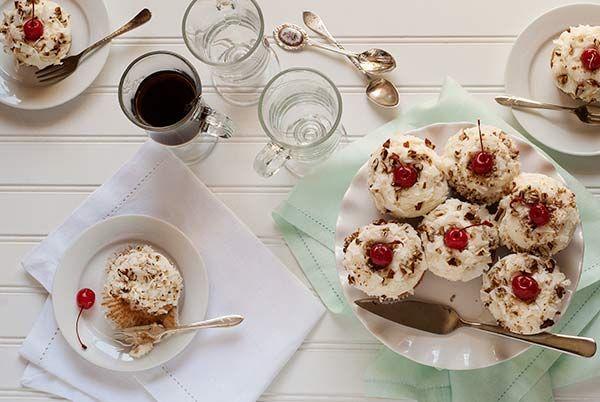 Gluten Free Italian Cream Cupcakes Recipe #simplyglutenfree #glutenfree