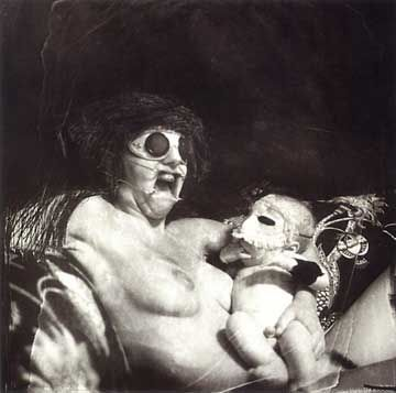 Risultato della ricerca immagini di Google per http://jordinpaige.files.wordpress.com/2011/10/joel_peter_witkin_mother_and_child.jpg