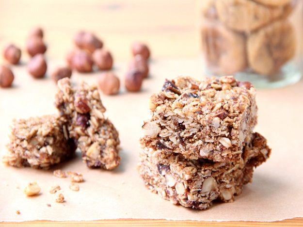 fig - hazelnut - chocolate granola bar